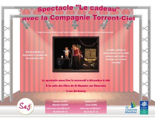 """Spectacle de fin d'année 2019 """"Le cadeau"""" par la Compagnie Torrent-Ciel"""